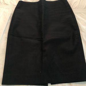 Jcrew number 2 pencil skirt, size 2. Black